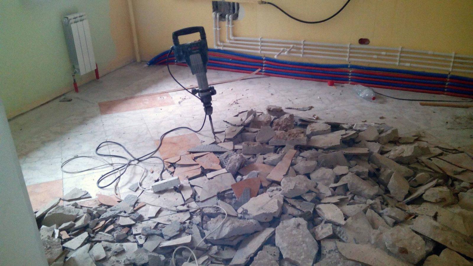 Демонтаж стяжки пола в Санкт-Петербурге