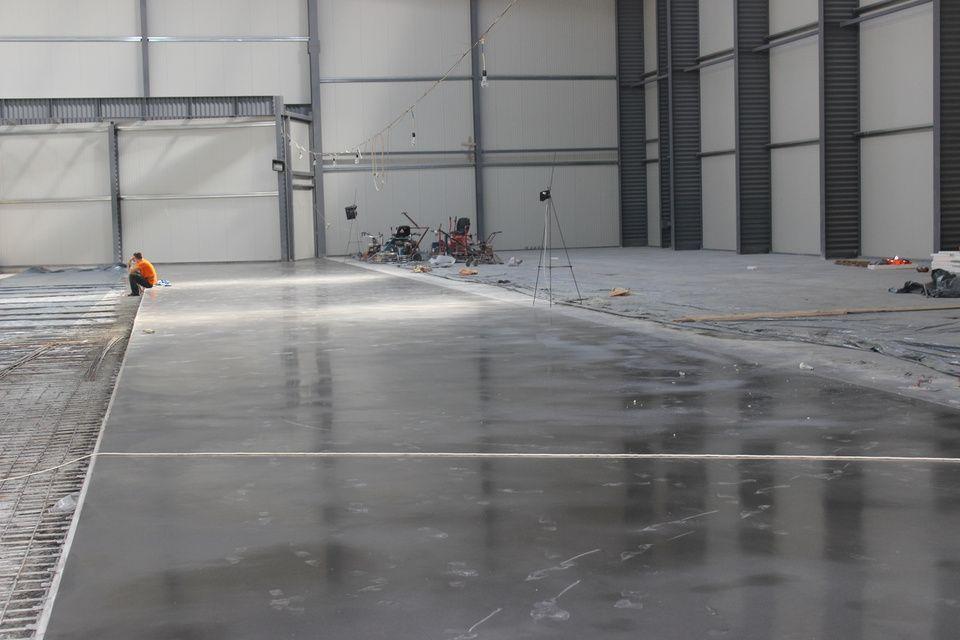 Эпоксидное покрытие для бетонного пола в Санкт-Петербурге