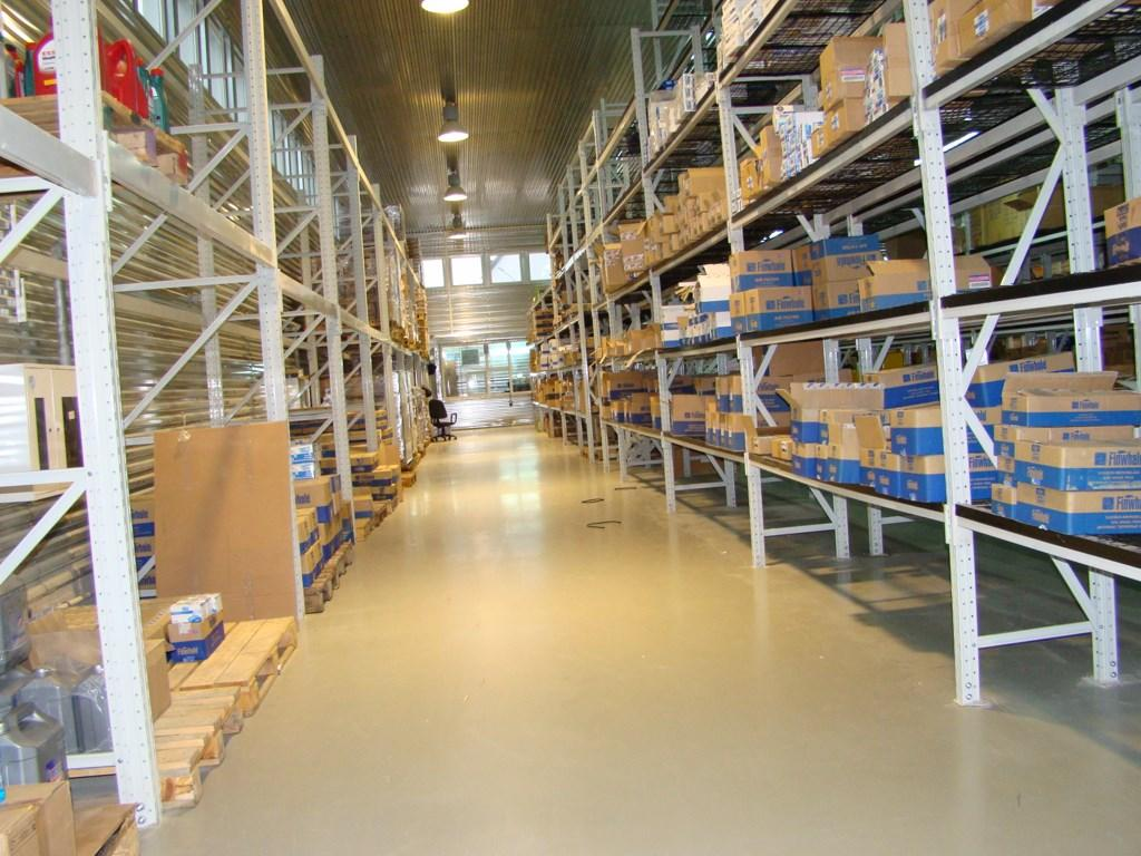Полимерные полы для склада в Санкт-Петербурге