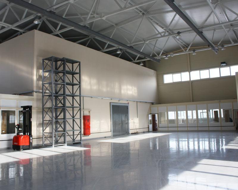 Промышленные полы для складских помещений в Санкт-Петербурге